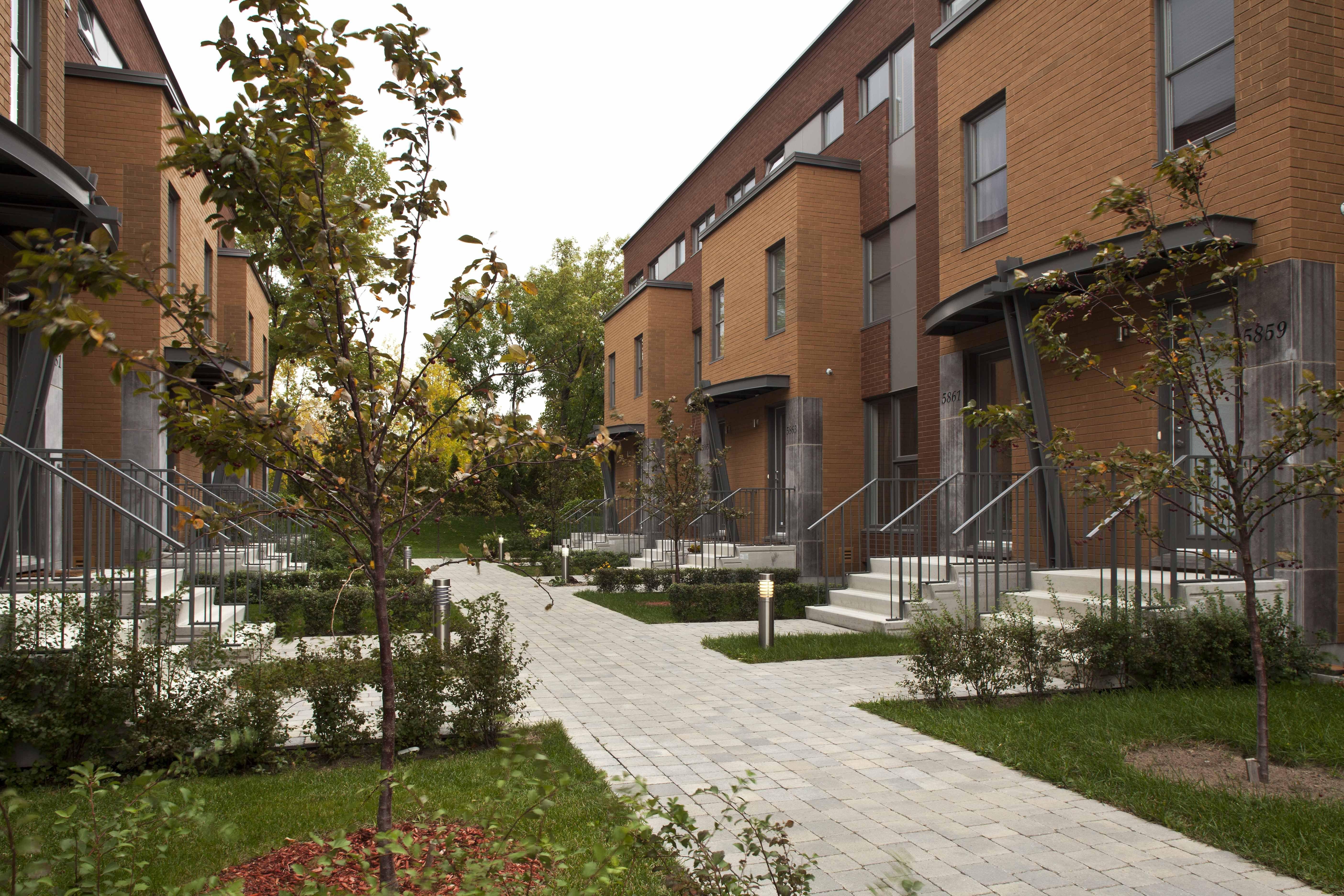 Maison de ville rue Claude Masson Habitations Laurendeau Inc