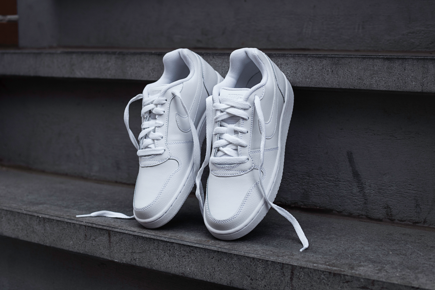 Ebernon Low sneakers wit
