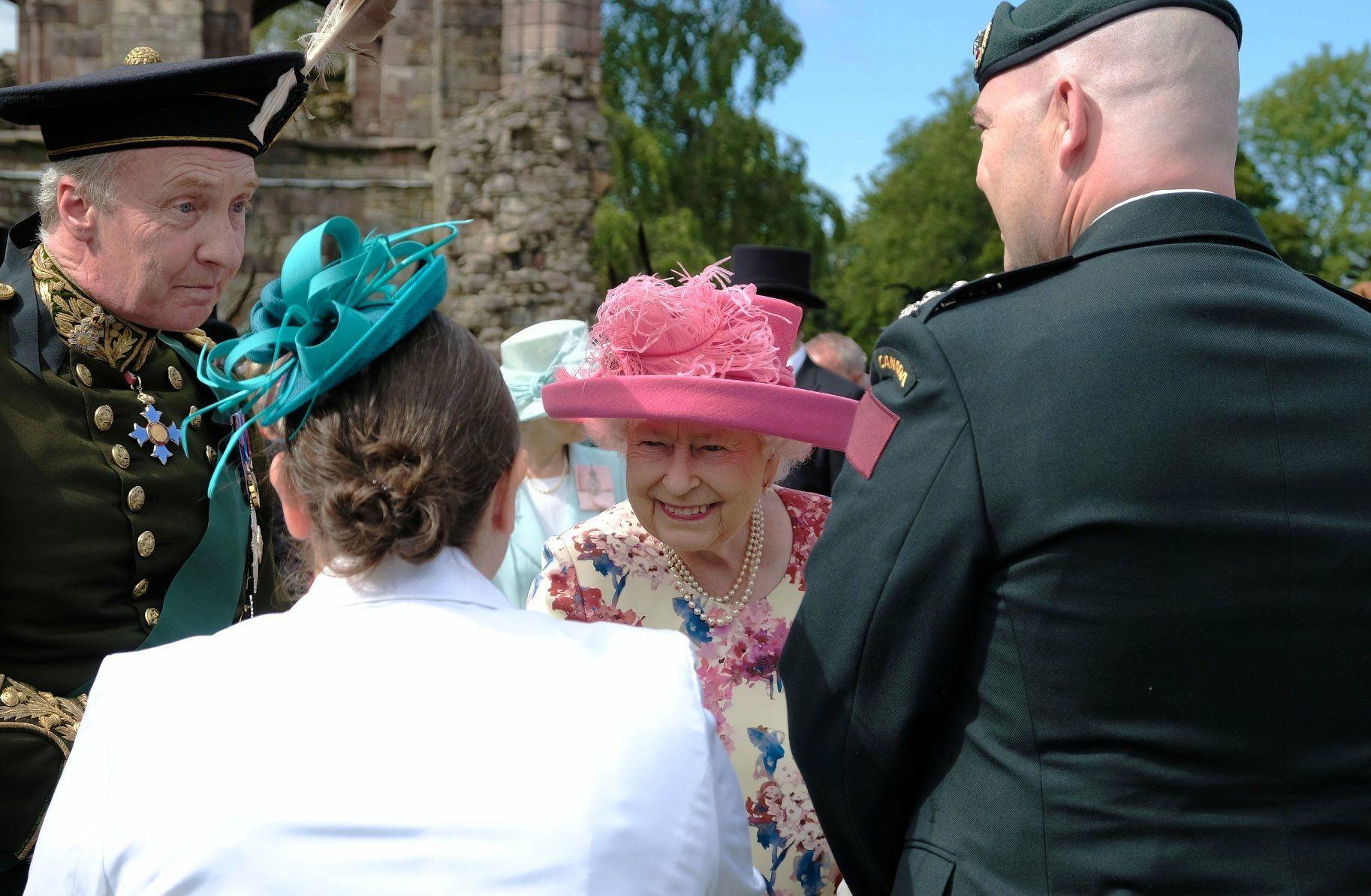 a76c135f30ff6198f337af1ac18ddc1f - How To Get Invited To Queen S Garden Party