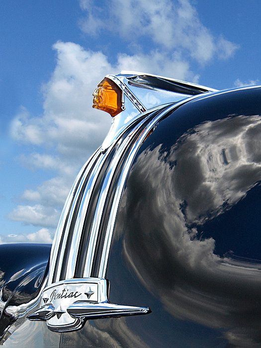 Pin By Audrey Steffan On Auto Type Hood Ornaments Vintage Cars Radiator Cap