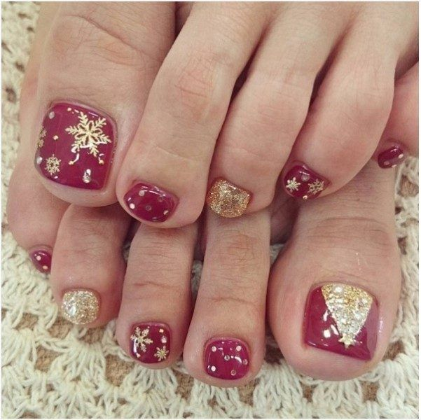 45 Lovely Christmas Toenail Art Design Ideas Pouted Com Toenail Art Designs Christmas Gel Nails Christmas Nail Designs