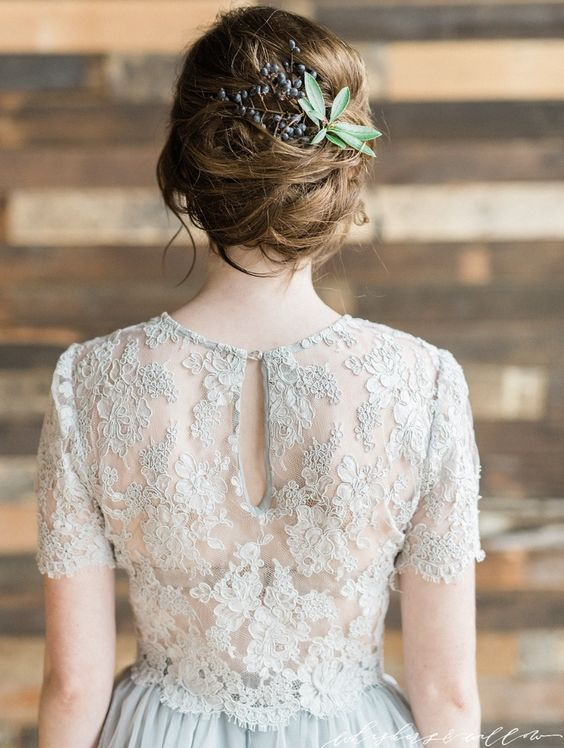 Wedding hairstyle idea; Featured Photographer: Whiskers and Willow Photography