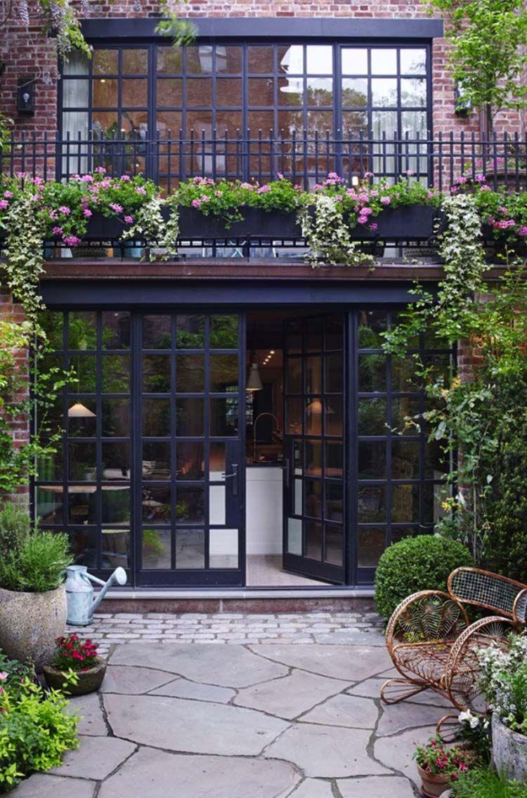 Luxurious New York City Townhouse With Astounding Design Details West Village Townhouse House Exterior Exterior Design