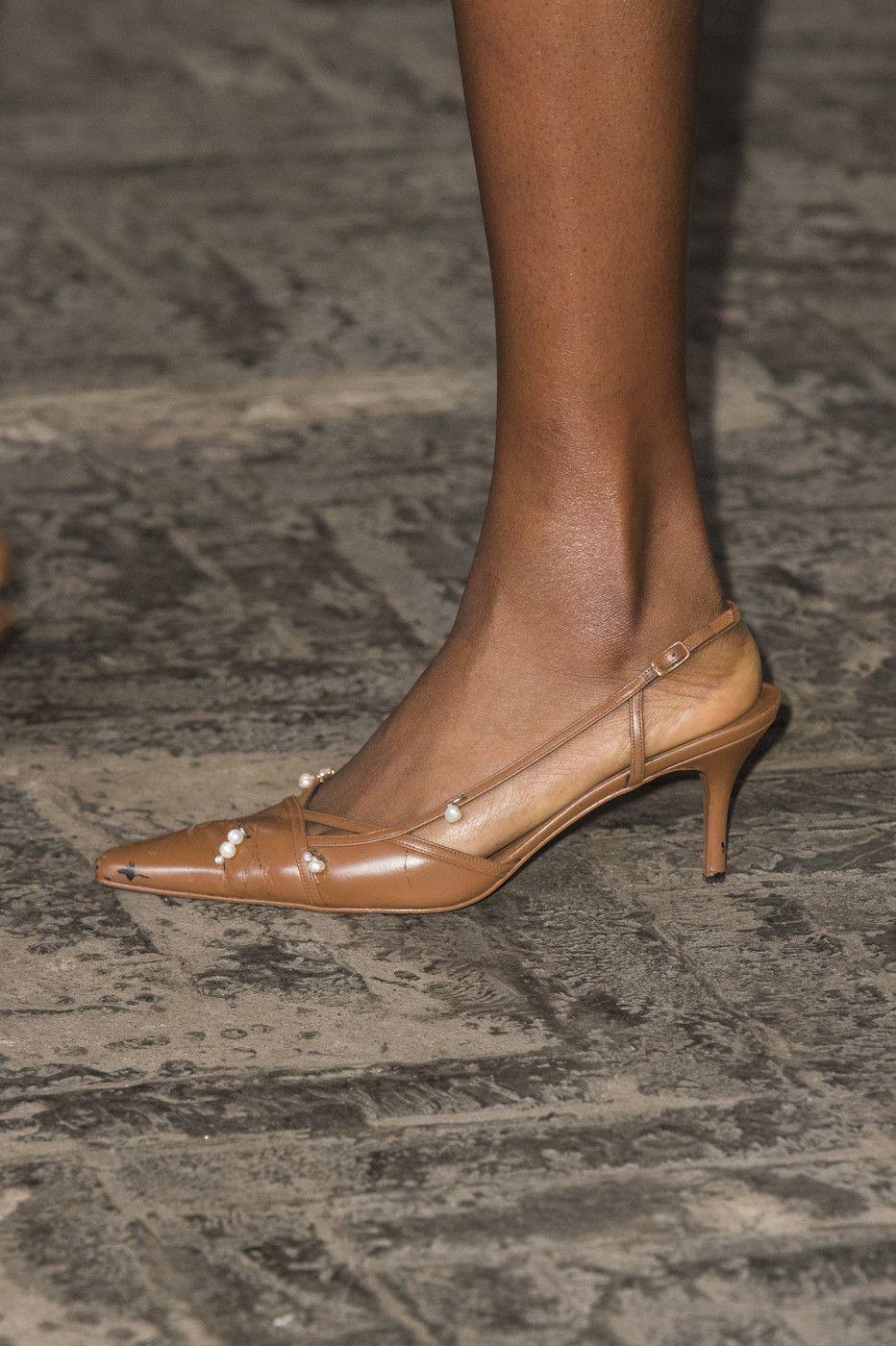 Fashion East At London Fashion Week Spring 2019 Fashion Shoes Chic Shoes Heels