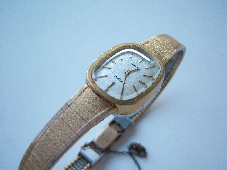 Women's Vintage Gold Watch. $13.80, via Etsy.