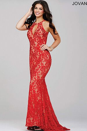 Foxy and fabulous in red! #Jovani 27338