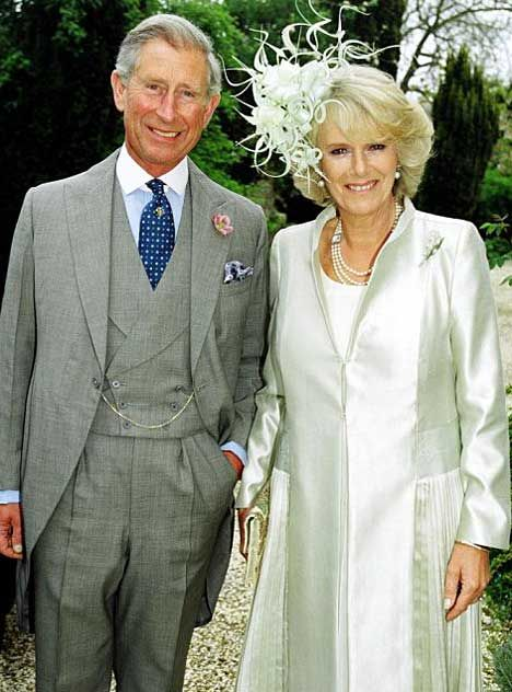 Camilla S Wedding Dress Coat Dress Morgenmantel Royale Hochzeiten Camilla