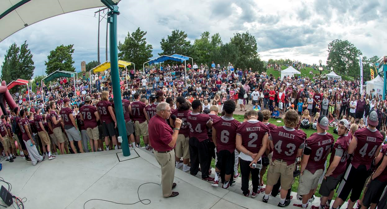 Coach Delaney Talks To A Crowded Cara S Park Full Of Griz Fans About Grizzly Football At The Great Griz Encounter Griz Greatful Park