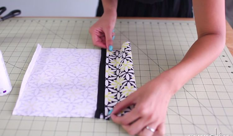 VIDEO: She Takes A Piece Of Fabric, Folds It Over, And Glues It Down. When She Flips It Inside Out? AWESOME! - American Overlook Mobile