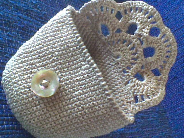 Crocheted cosmetic bag - free diagram and tutorial (Portuguese) - No