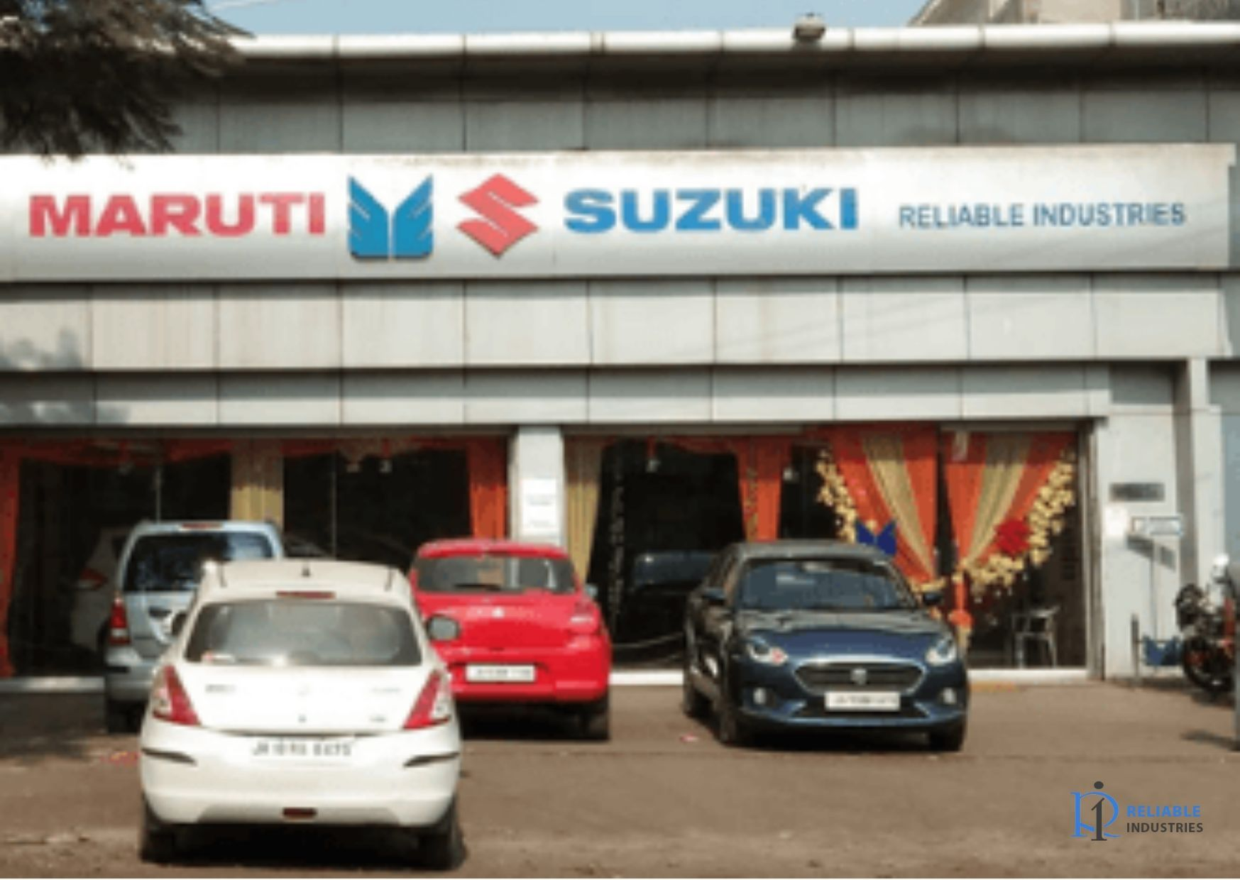 If you are interested to buy a Maruti Suzuki Arena car and