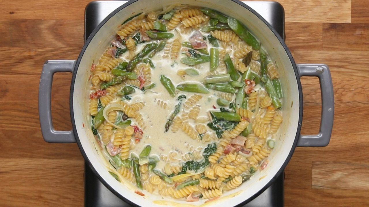 One pot creamy chicken bacon veggie pasta one potpan crock pot one pot creamy chicken bacon veggie pasta tasty recipes forumfinder Image collections