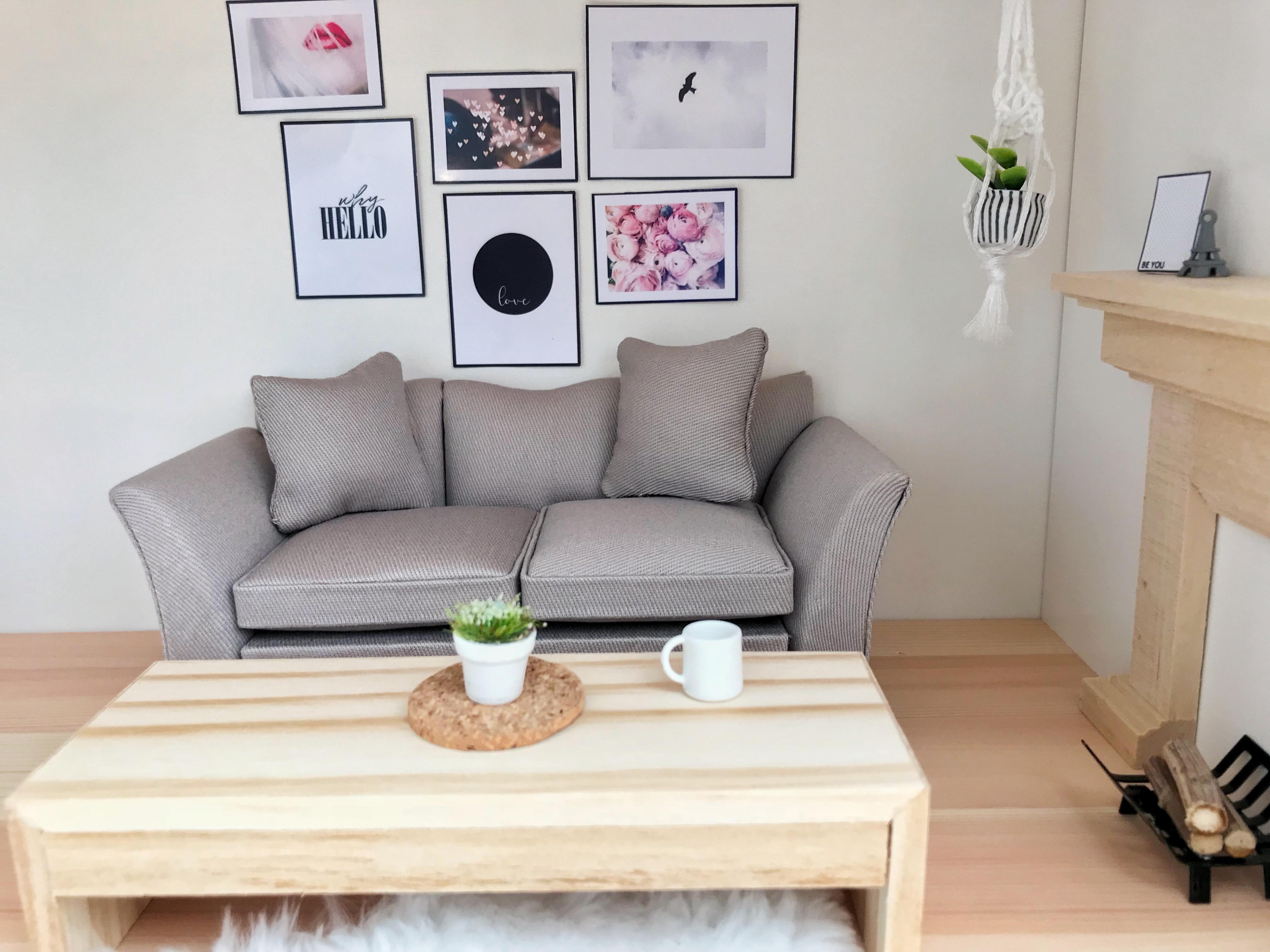 1//12 scale dollhouse miniature Tasteful Living room furniture set Sofa Teable