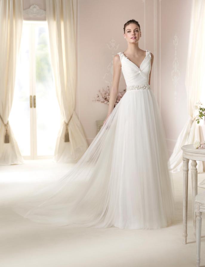 vestido de #novia con corte imperio, manga sisa, con pedrería y