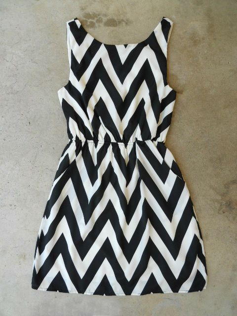 The Everly Zig Zag Cinched Dress <3