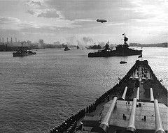 Navy Day Celebration In Nyc On October 27 1945 Navy Day Uss Missouri Warship