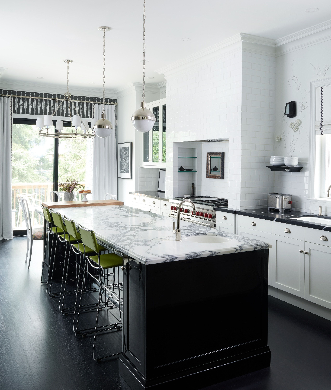 Black Island In White Kitchen Black Wood Flooring Marble Counter Top Black Kitchen Countertops Black Wood Floors White Marble Kitchen