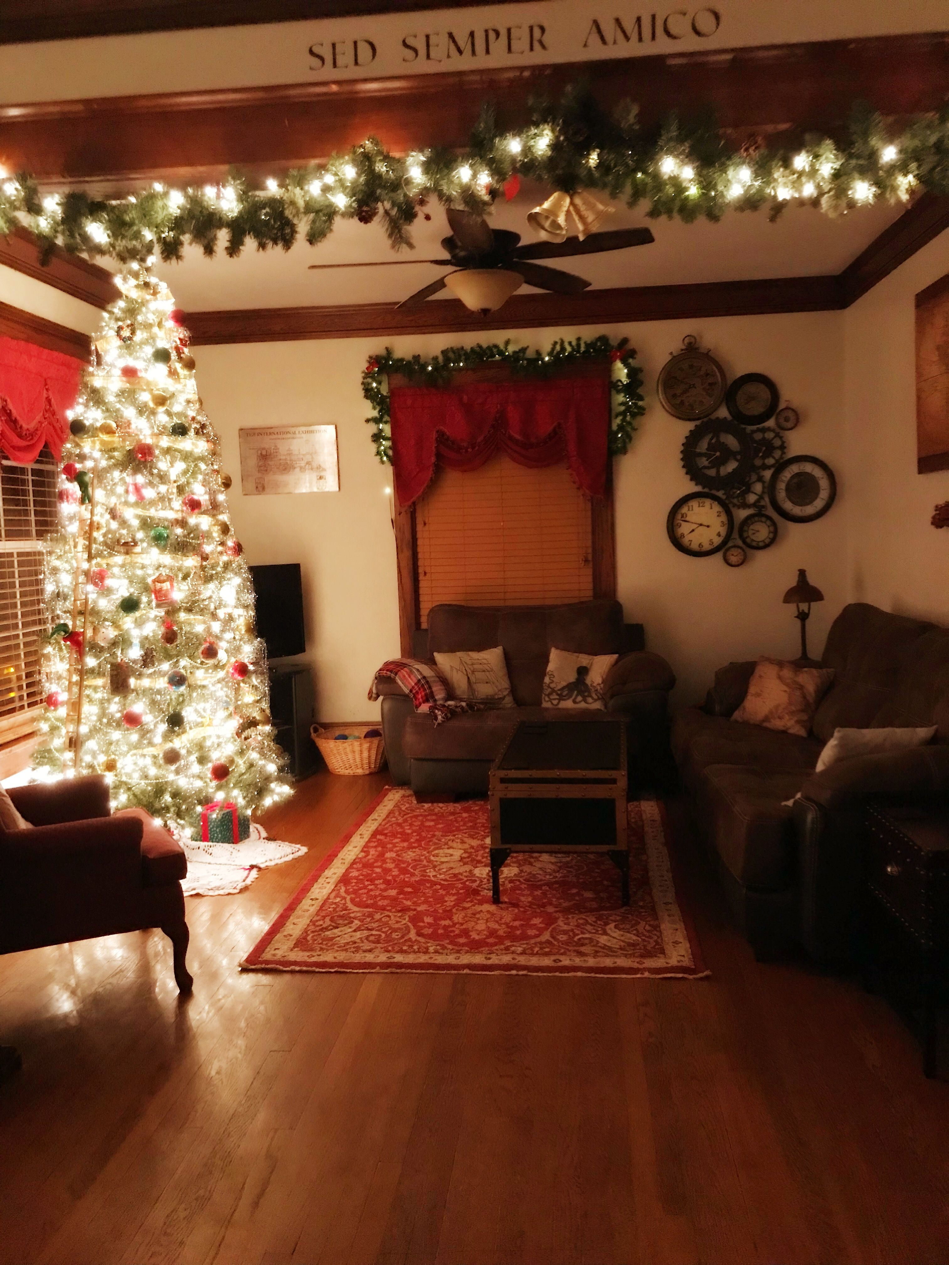 Christmas Decorations Traditional Christmas Christmas D