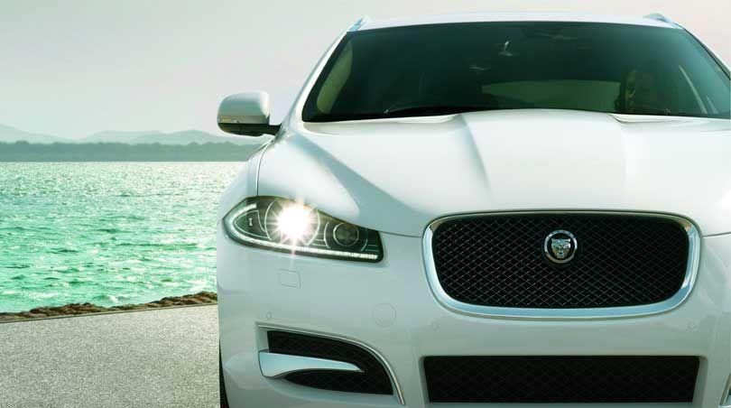 2014 Jaguar Xf Luxuriously Efficient Performance With New Eco2 Engine Jaguar Xf Jaguar Car Jaguar Xe