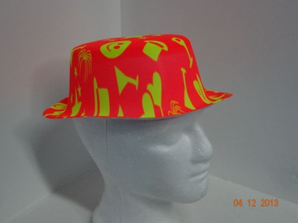 Sombrero para celebrar la Bienvenida del Nuevo Año en estampados surtidos y  colores neón.   b76751446d8