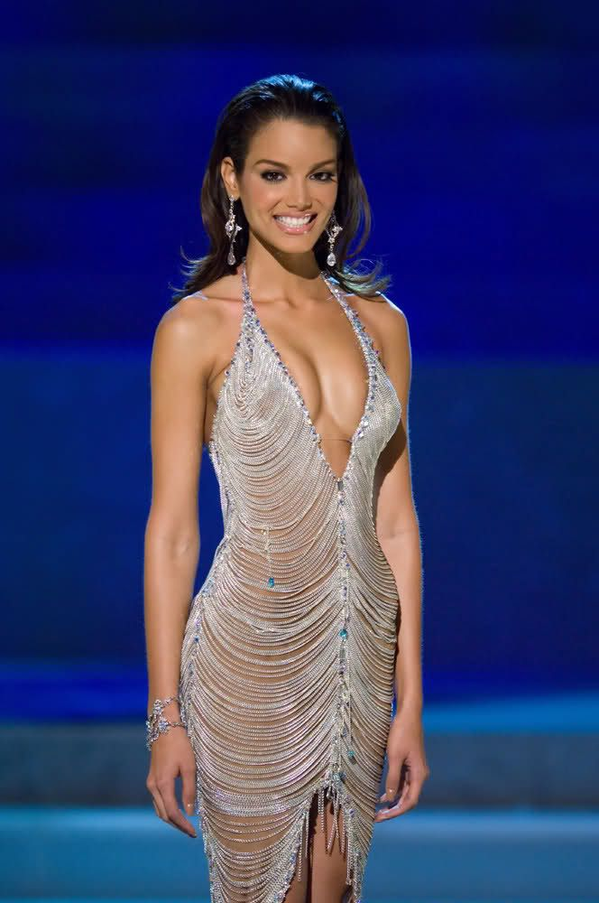 Zuleyka Rivera in Carlos Alberto at Miss Universe, 2006 | Evening ...