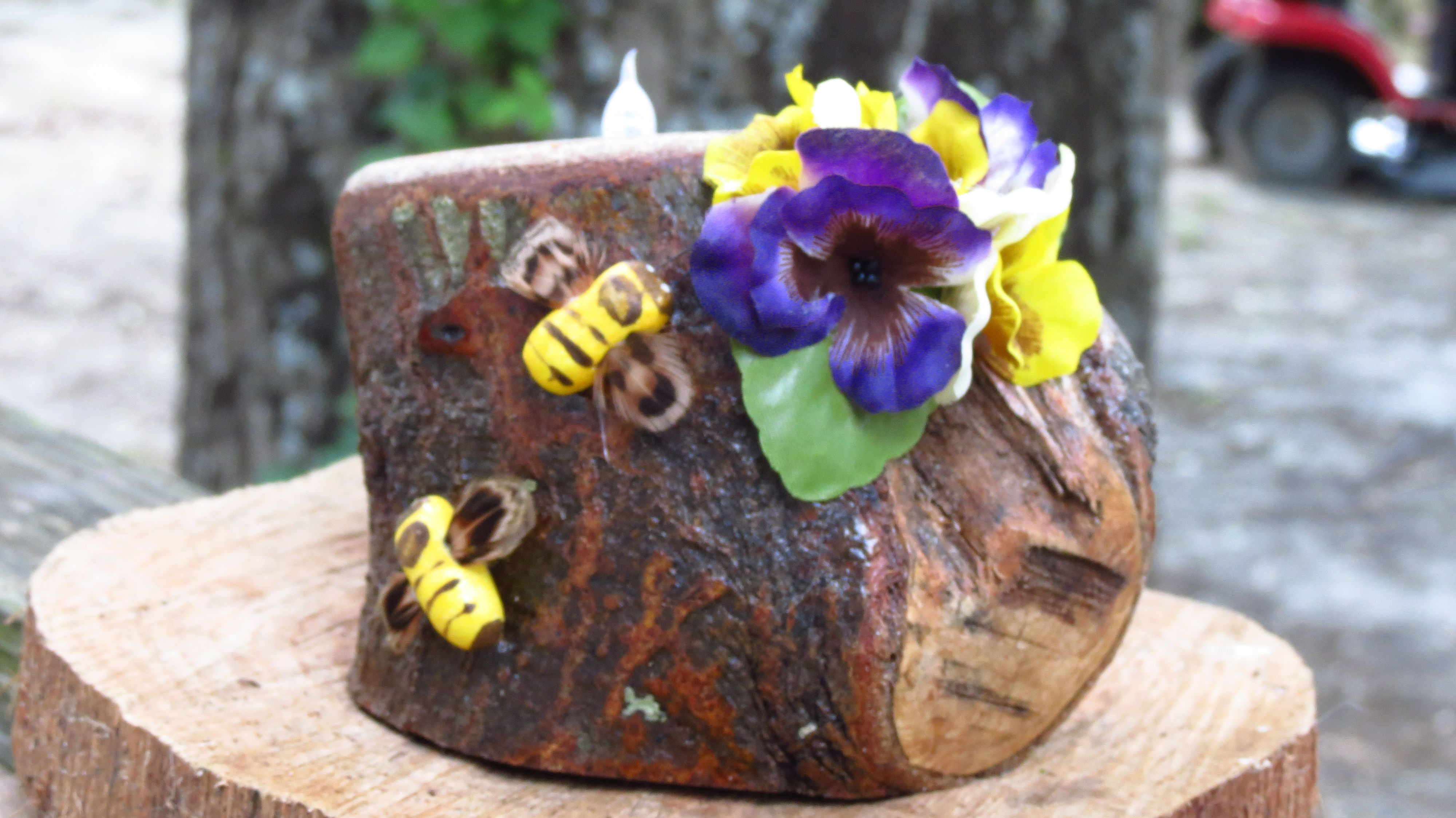Hand crafted tea light candle holder made with delicate yellow and