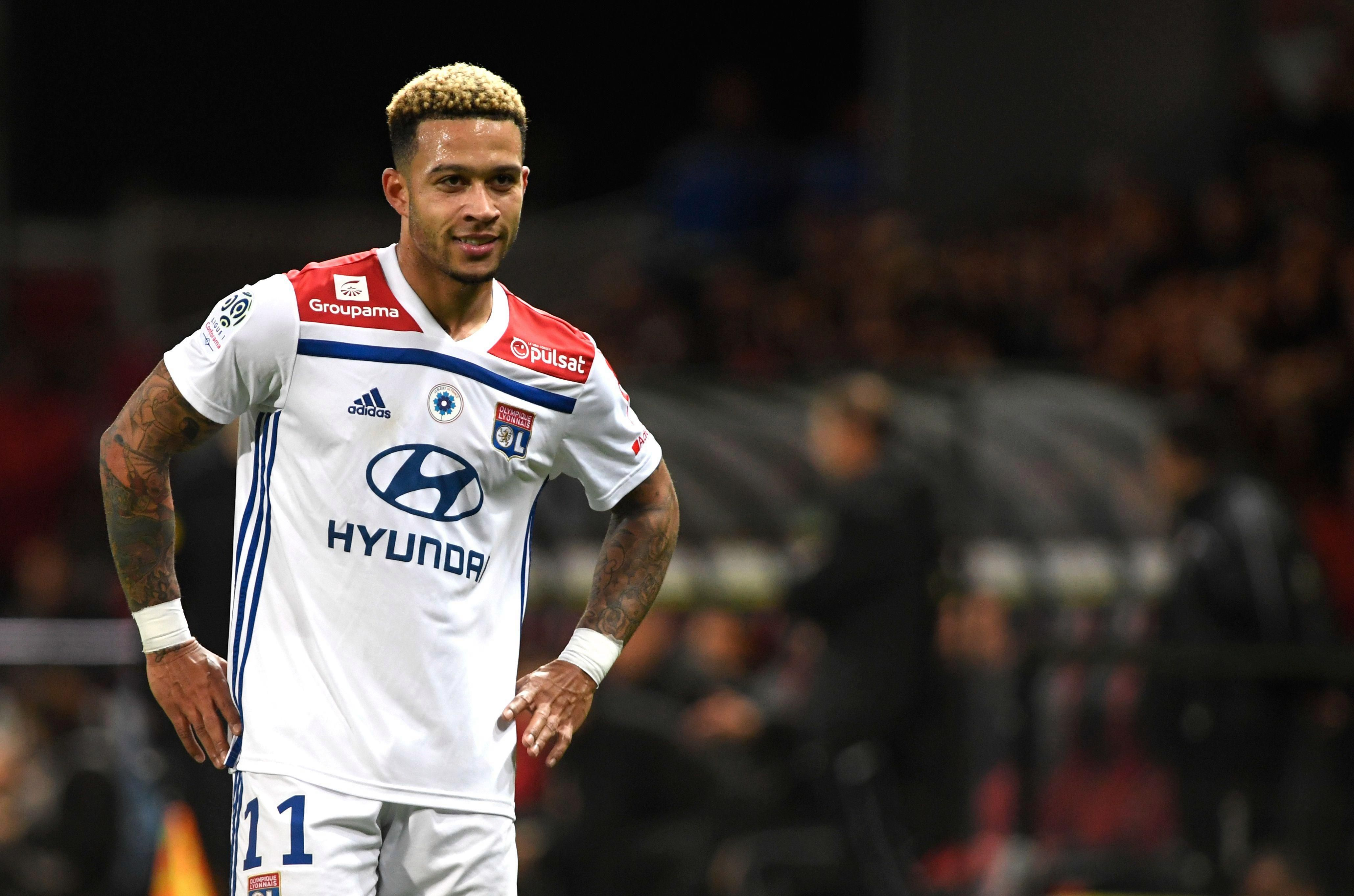 Memphis Depay Wakes Up Feeling Beckham After Netting
