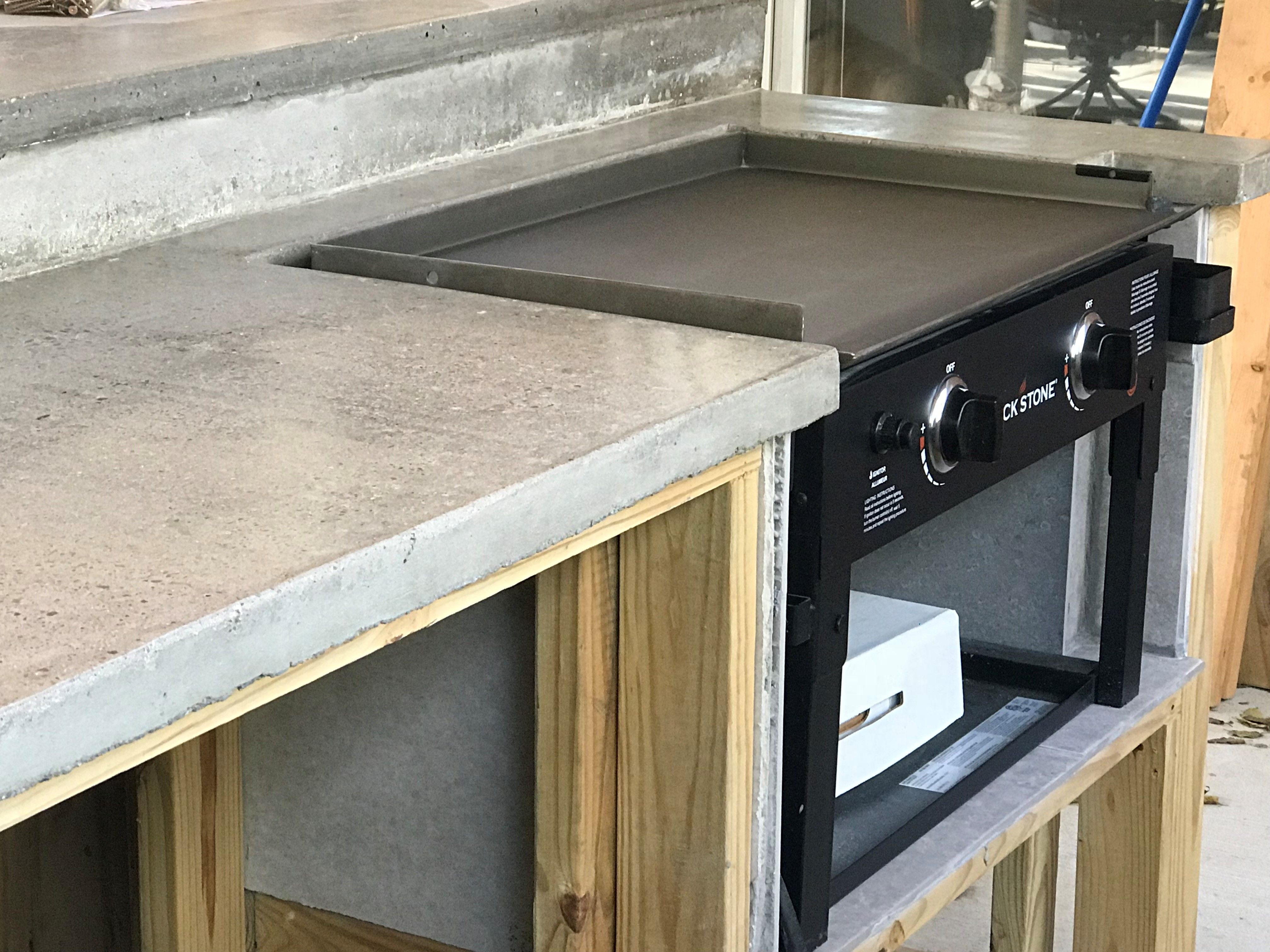 Outdoor Kitchen With Built In Griddle Diy Outdoor Kitchen