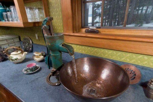 LOVE the copper sink & pump faucet! | Creative Home Renovation ...