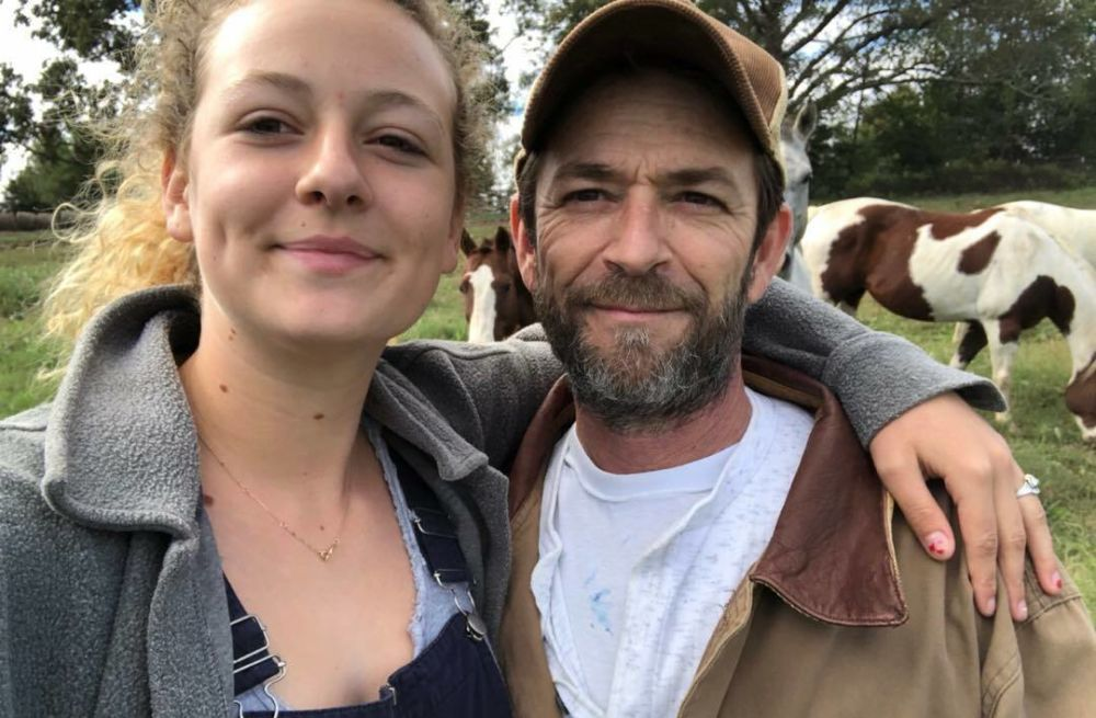 Luke Perry's official cause of death revealed after burial in Tennessee - AOL Entertainment