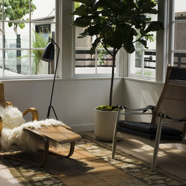 Los Angeles Apartments Melrose: Sun Soaked Minimalist Living Room At The Line