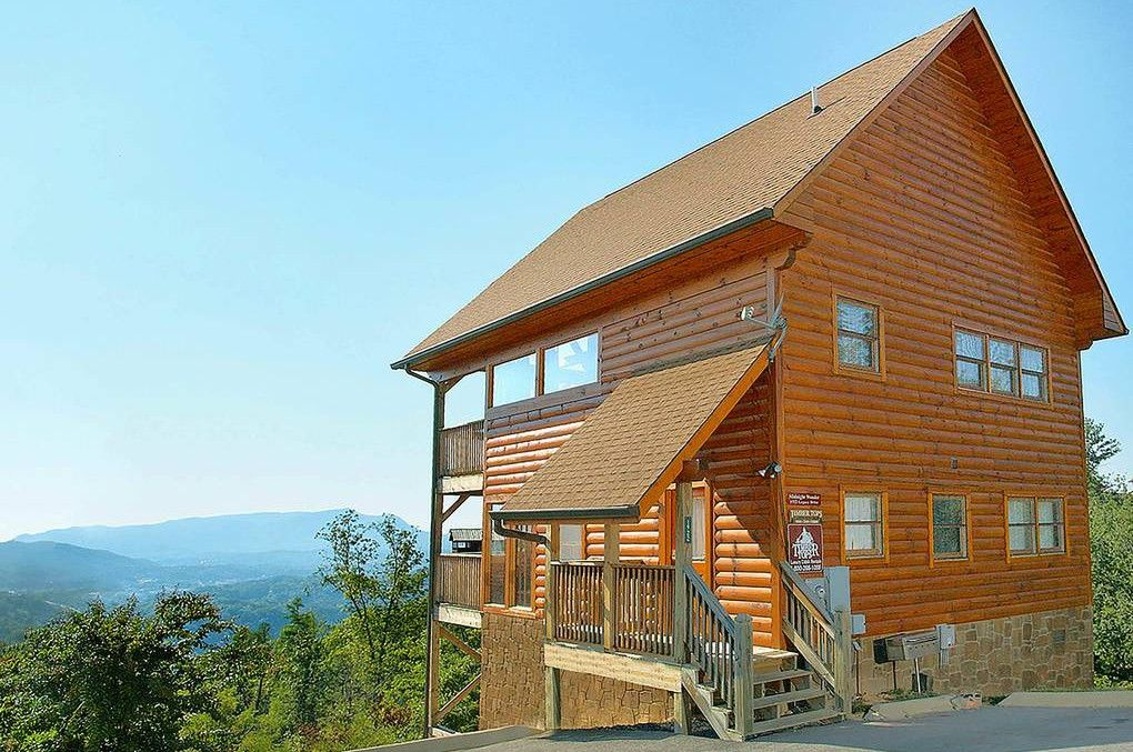 7 Of The Best 1 Bedroom Cabins In The Smokies For Your Romantic Getaway Cabins In The Smokies Cabin Honeymoon Cabin
