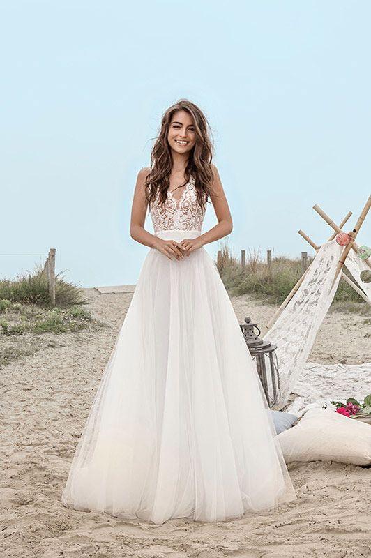 Wedding Dress 2017 // beach wedding / Robes de mariée Fabienne ...
