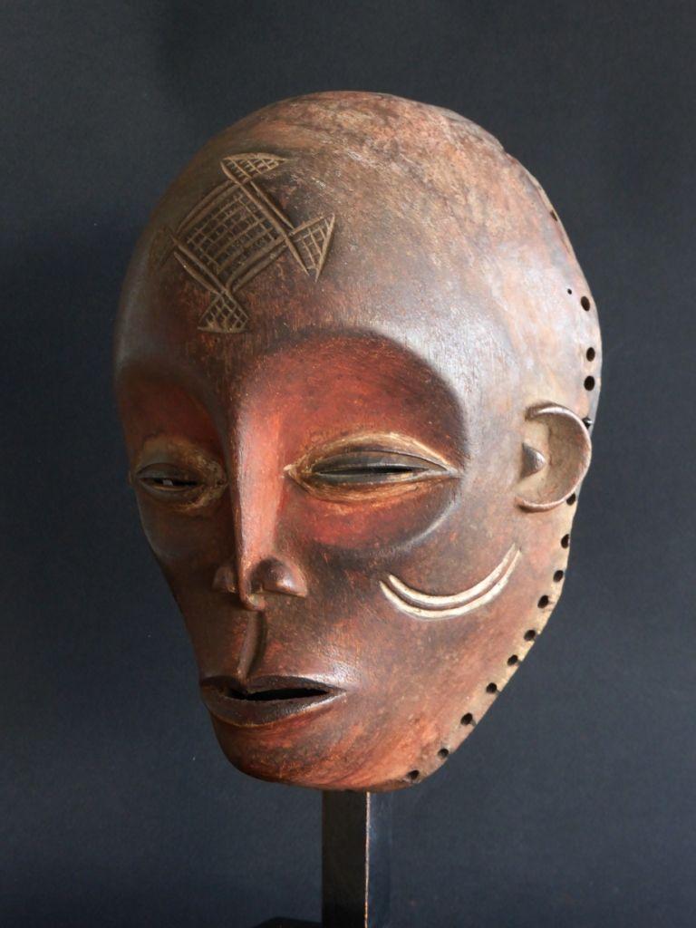 Mwana Pwevo mask, Ngangela, Zambia