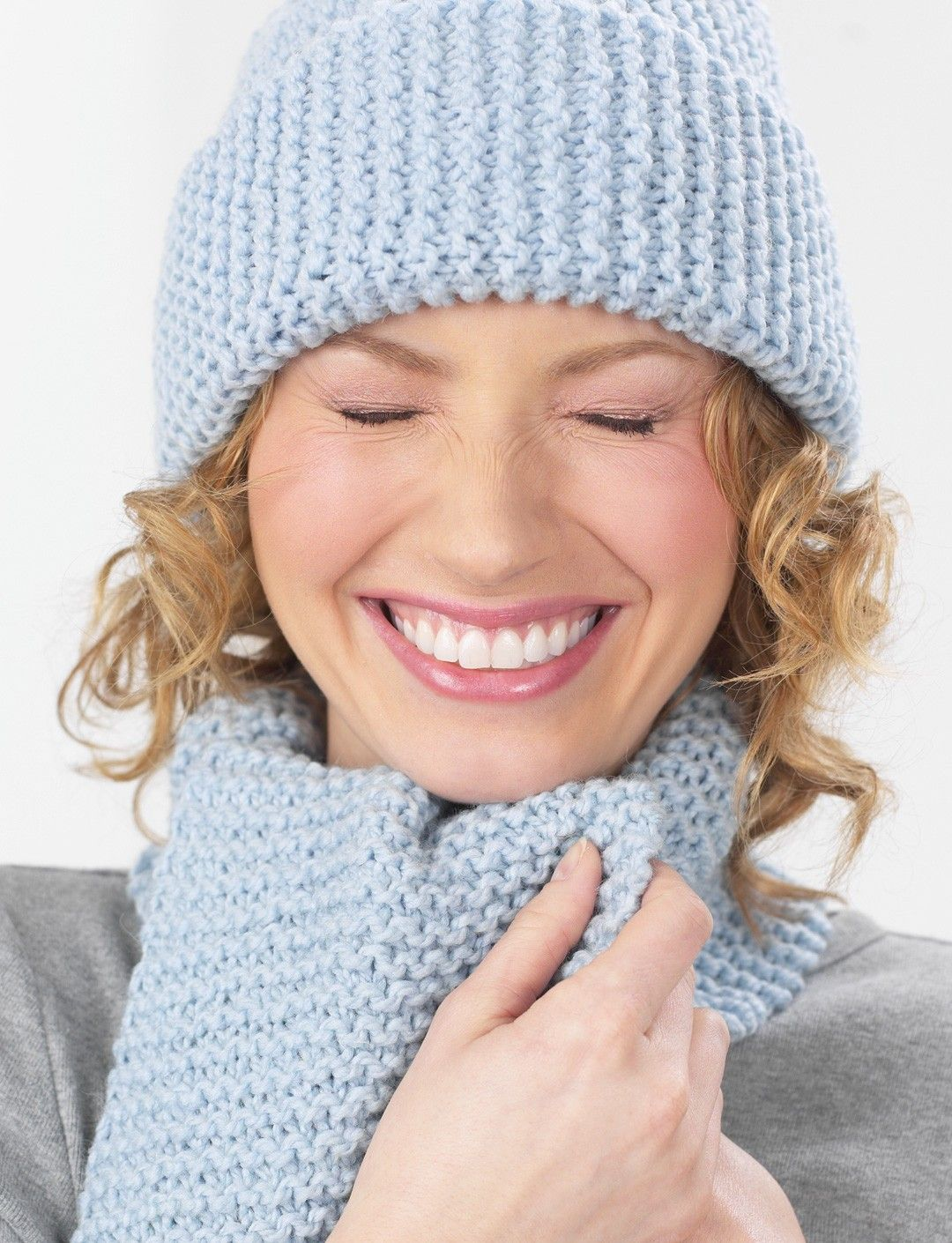 ec2b8aa51fd Yarnspirations.com - Patons Garter Stitch Sideways Hat - Patterns ...