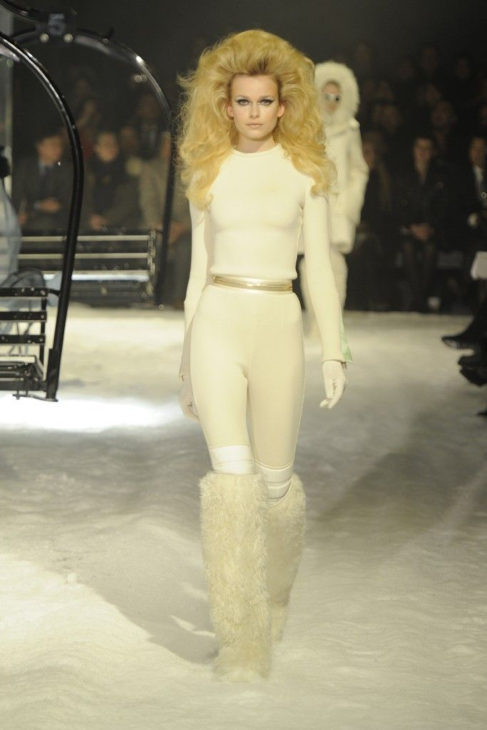 presh ski bunny look from Moncler Gamme Rouge 12fd28485f2