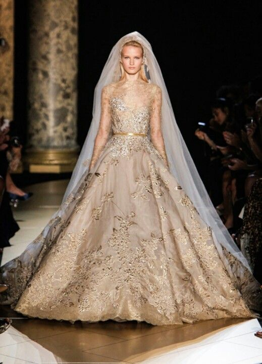 Fabulous gold wedding dress. I would love this!!! ♥