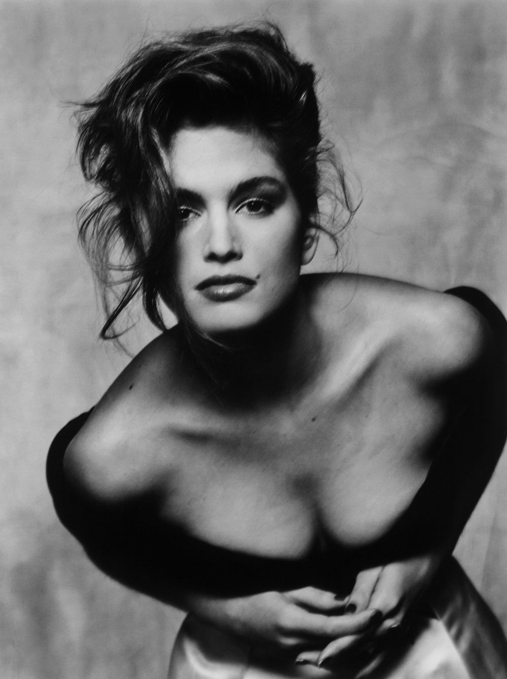 In 1991 Cindy Crawford & Pepsi created the most iconic model endorsement of all time. Description from pinterest.com. I searched for this on bing.com/images