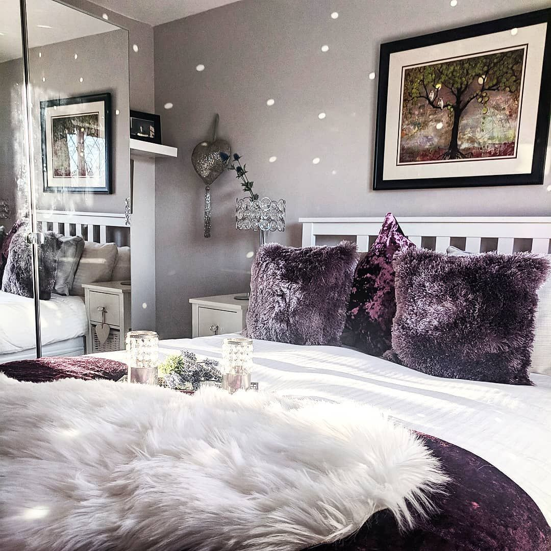 37 Purple and White Bedroom Ideas (With Pictures!) - Home ...