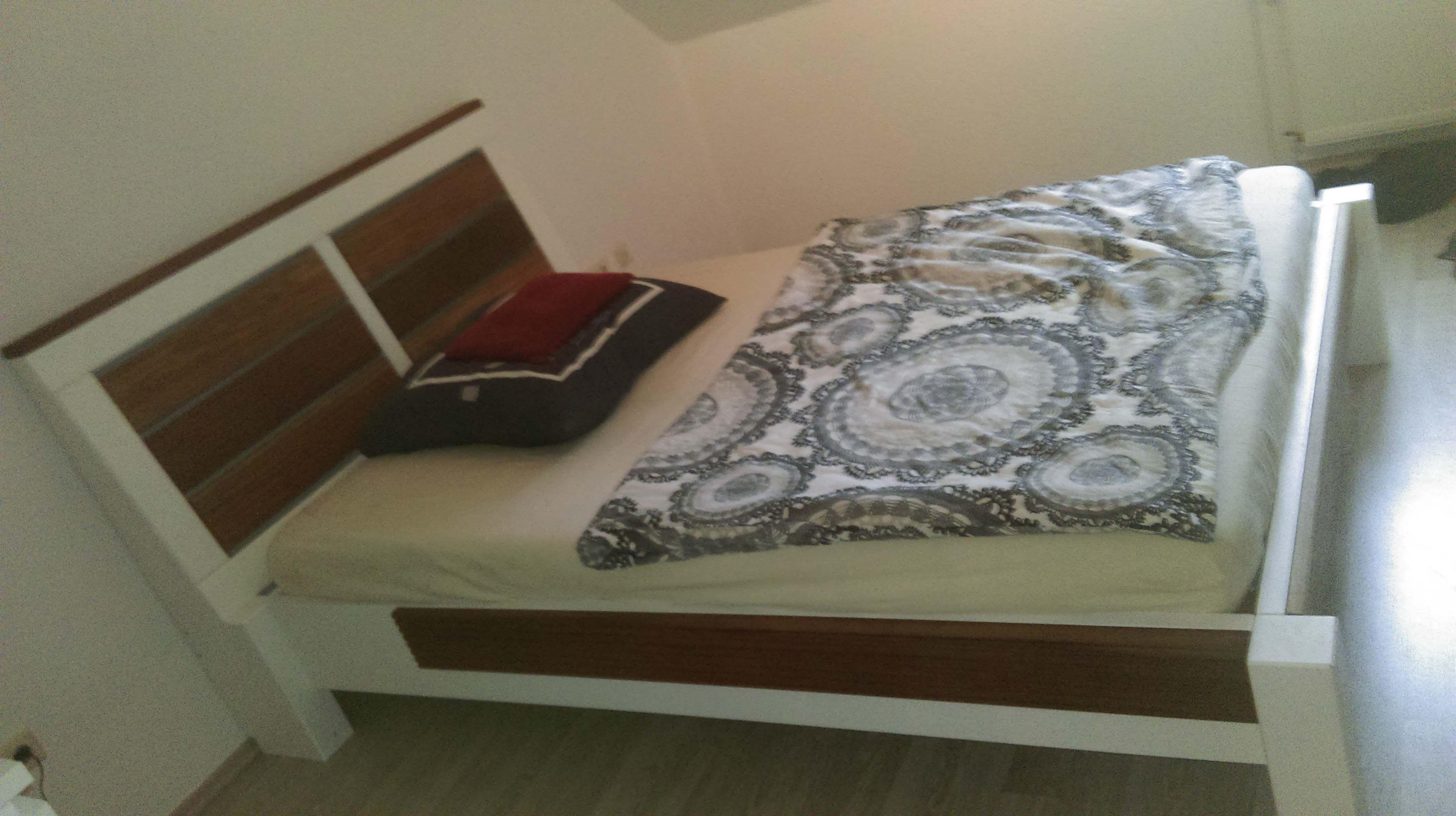Bett aus Massivholz und Bangkirai Bauanleitung zum selber bauen ...
