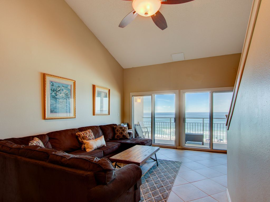 Located In Destin Florida On The Crystal White Sand Beaches Of The Gulf Of Mexico Crystal Sands Offers Breat Crystal Beach Destin Florida Vacation Home Decor