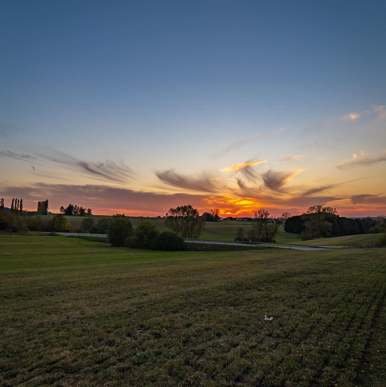 Sonnenuntergang Im Schonen Herbst Sunset In Autumn Autumn Herbst Sunset Sunsetlover Sunset Pics Sunset Stream Sunset Ig In 2020 Sunset Celestial Outdoor