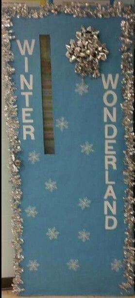 de porte de classe Winter Wonderland Avec ce genre de décoration il peut rester jusquà fin janvier    Décoration de porte de classe Winter Wonderland...