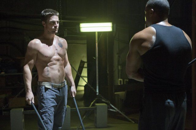 Somebody Suggested This Guy But With David Beckham S Tatts As A Good One For Zach He Needs Longer Hair But I Stephen Amell Arrow Tv Series David Ramsey