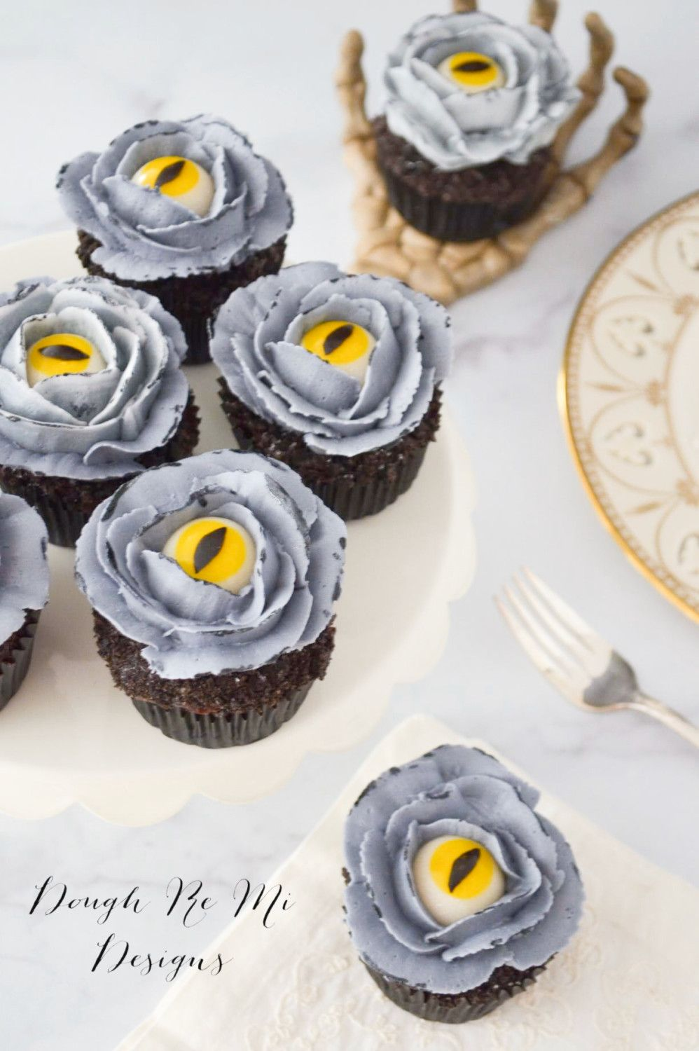 Spooky Halloween Cupcakes by Melody Pierce #halloweencupcakes