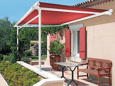 samostatně stojící markýza pergola vytvoří na terase příjemný stín a