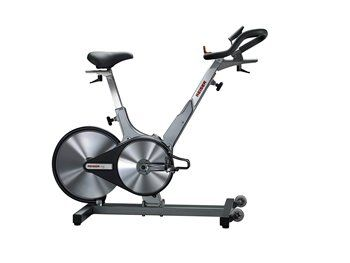 This Latest Edition Of The Keiser M3 Plus Indoor Cycle Comes With 24 Resistance Levels And Can Be Used Best Exercise Bike Exercise Bike Reviews Biking Workout