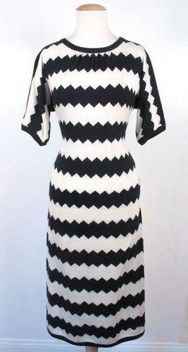 Vintage 70's Oscar de La Renta Black White Zig Zag Print Knit Dress
