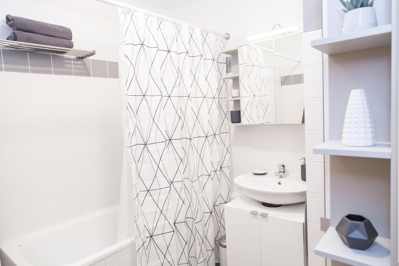 Grey and white simple clean bathroom. | Bathroom - Industrial Design ...