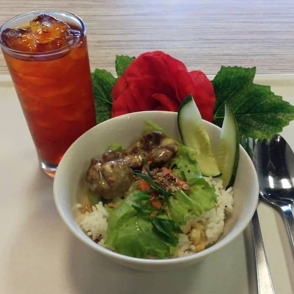 New menu mini rice bowl with choice of chicken, fish @ meatball & choice of sauce of creamy,mushroom & sambal n soup....with free drink of the day..only RM 4 .00...only at Koppi Station Bertam (dine in only). Gambar adalah meatball with rice...murah tu..ada aircond..ada wifi lagi...jom jom